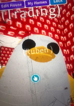Fr golden penguin for Sale in Nicholasville, KY