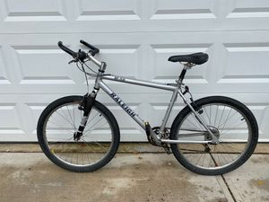Raleigh M 80 Aluminum mountain bike with rock shox for Sale in Westlake, OH