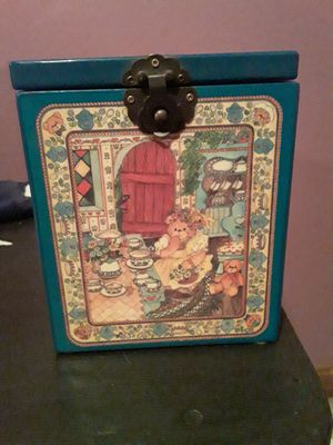Lucy & Me jack in the box for Sale in Vicksburg, MI