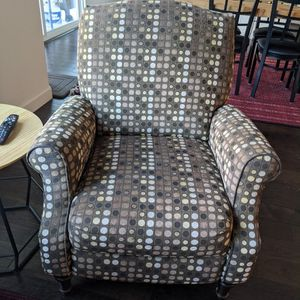 Reclinable Chair for Sale in Livermore, CA