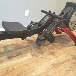 ProForm 550R Rowing Machine with Magnetic Resistance and Inertia-Enhanced Flywheel - LIKE NEW for Sale in Federal Way, WA