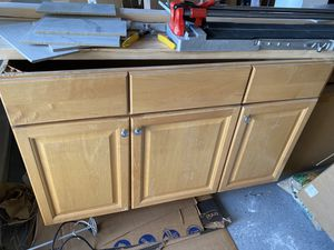 Full Bathroom Cabinet+ Counter&Faucet set for Sale in Franklin Township, NJ
