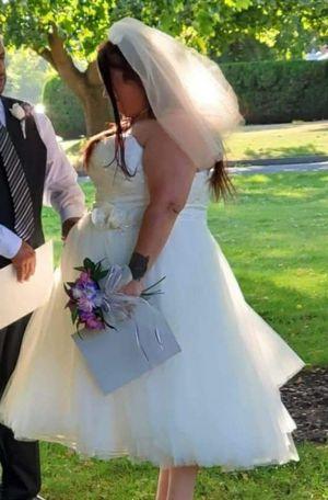 Bridal gown wedding dress for Sale in Brooklyn, OH