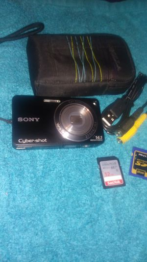 Sony cyber shot 14mp digital camera used 1time! for Sale in Sheboygan, WI