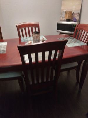 Cherry Wood Dining room table for Sale in Sheffield Lake, OH
