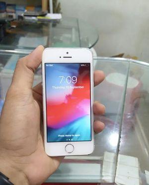 iPhone 5S. 16GB, Factory Unlocked for Sale in Fort Belvoir, VA