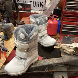 Air wall Women Snow Boots 8.5 for Sale in Monroe Township,  NJ