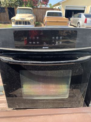"""Electric Range Oven size 27""""Length width 27"""" depth 25"""" for Sale in Fresno, CA"""
