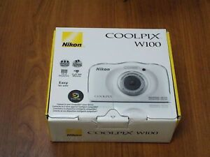 Nikon coolpix w100 for Sale in Roseville, MN