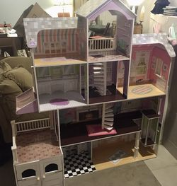 KidKraft Barbie House for Sale in Sumner,  WA