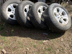 2015 Chevy Silverado tires and rims for Sale in Spotswood, NJ