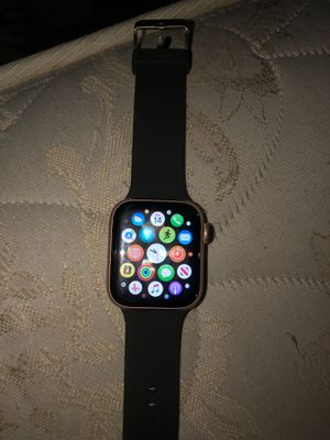 Serie 5 Apple Watch 40 mm rose gold for Sale in Phelan, CA