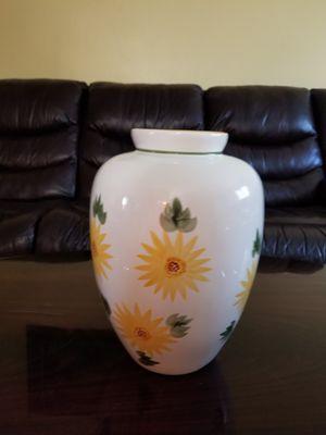 Ceramic vase for Sale in Dumfries, VA