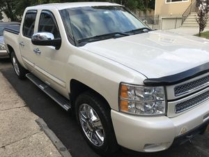 2012 Chevy Silverado LTZ 4x4 full 4 door for Sale in Brooklyn, NY