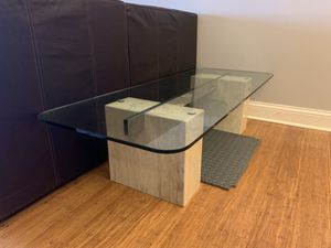 GLASS COFFEE TABLE WITH MAPLE STAND for Sale in Morton Grove, IL