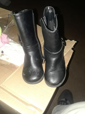 Toddler girl boots size 5 for Sale in Milwaukee, WI