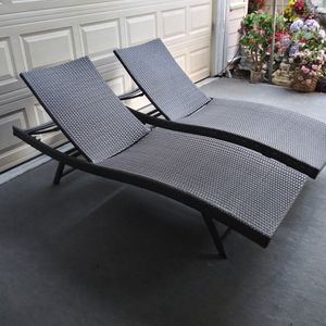 Outdoor Patio Wicker Chaise Lounge Chairs for Sale in Los Angeles, CA