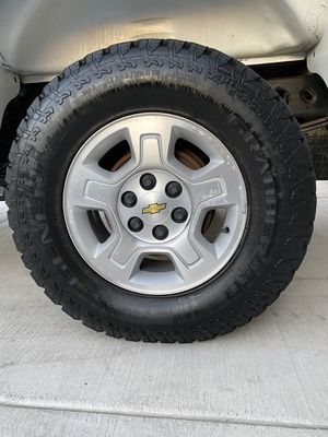 Chevrolet Silverado Wheels and tires like new for Sale in Waterford, CA