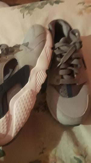Kid shose for boys size 3.5 for 40 dollars for Sale in Phoenix, AZ
