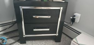 Dresser and night stand for Sale in Wallingford, CT