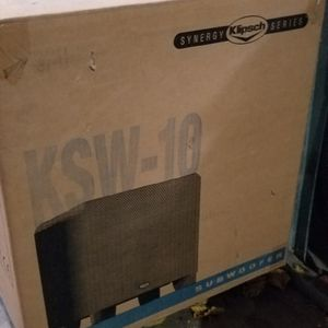 Klipsch KSW-10, 10-Inch 225-Watt Subwoofer (Black for Sale in The Bronx, NY