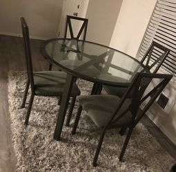 Glass Kitchen Table for Sale in Puyallup,  WA