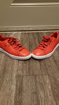 Red Special Edition Clyde Pumas Size 9 $65 for Sale in Murfreesboro,  TN