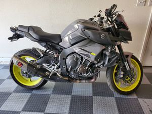 Yamaha 2017 FZ-10 Motorcycle Excellent condition FZ 10 FZ10 for Sale in Las Vegas, NV