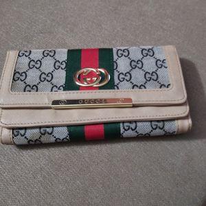 2 Women Wallets $15 Each for Sale in Los Angeles, CA