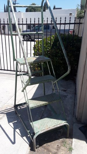 Industrial size safety step ladder 4 steps for Sale in Westminster, CA