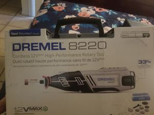 Dremel 822p and 90 peice accessories kit. for Sale in Fontana, CA