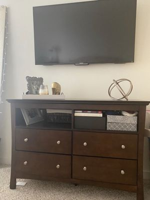 TV stand/ 4 drawer dresser - oak/ brown REAL WOOD for Sale in New Rochelle, NY