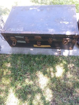 Trunk for Sale in Modesto, CA