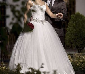 Luxtury wedding dress for Sale in Bound Brook, NJ