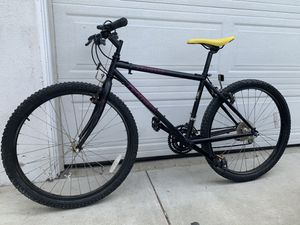 SPECIALIZED Rockhopper Bike for Sale in Alhambra, CA