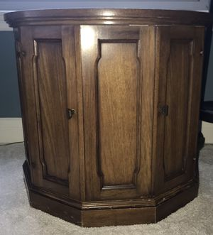 Solid wood, round table with inside storage for Sale in Tampa, FL