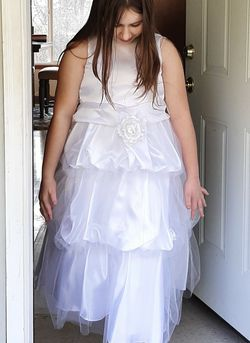 Flower Girl Dress Sz 10 & Shoes Sz3 for Sale in Beavercreek,  OR