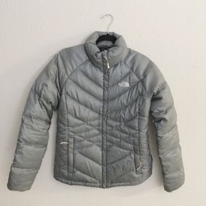 NORTH FACE Aconcagua 550 puffer jacket size M for Sale in San Diego, CA