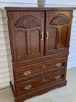 Dresser with Shelves for Sale in Graham,  NC