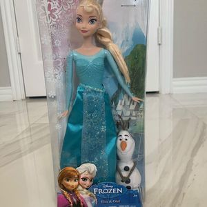 New - Frozen Elsa Doll with Olaf, 2 Princess themed pencil boxes, 6 Frozen theme zipper pouches for Sale in Coppell, TX