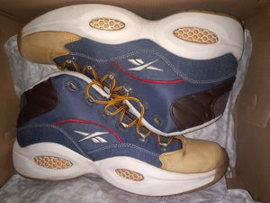 Reebok Question Dress code SZ -12 for Sale in Cleveland, OH