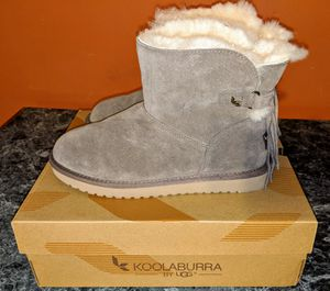 Koolaburra by UGG Women's Winter Boots - Size 9 for Sale in Canton, IL