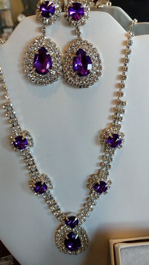 Purple sparkly EARRINGS AND NECKLACE SET for Sale in Leesburg, VA