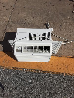 Window AC unit! for Sale in Washington, DC