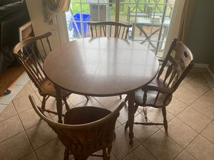 Dinning set, extendable table and 4 chairs for Sale in Silver Spring, MD