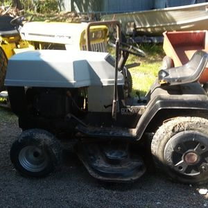 Vintage Riding Lawn Mower Sears Tractor for Sale in Alvin, TX