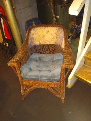 Antique wicker rocking chair for Sale in Lincoln Park, MI