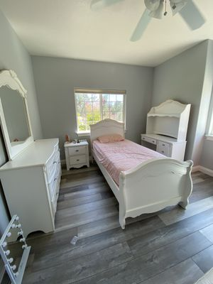 Exquisite Twin Bedroom set by Ashley Furniture for Sale in Anderson, CA