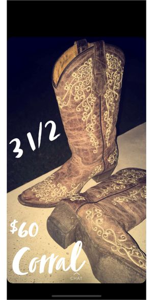 Girls boots for Sale in Robstown, TX