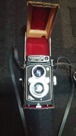 Yashica Mat 24 vintage camera for Sale in Chicago, IL